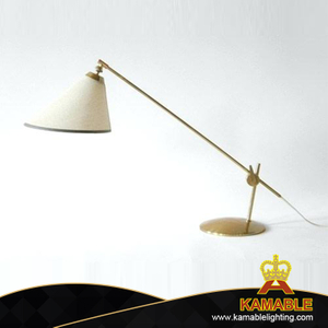 Modern Room Decorative Iron Table Light (KNC303)
